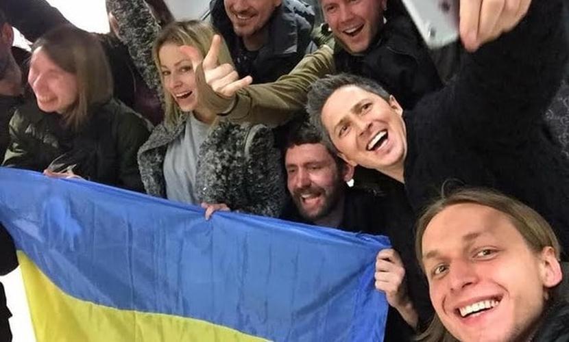 Звезды украинского телевидения заявили о плевке Земфиры в лицо всей страны
