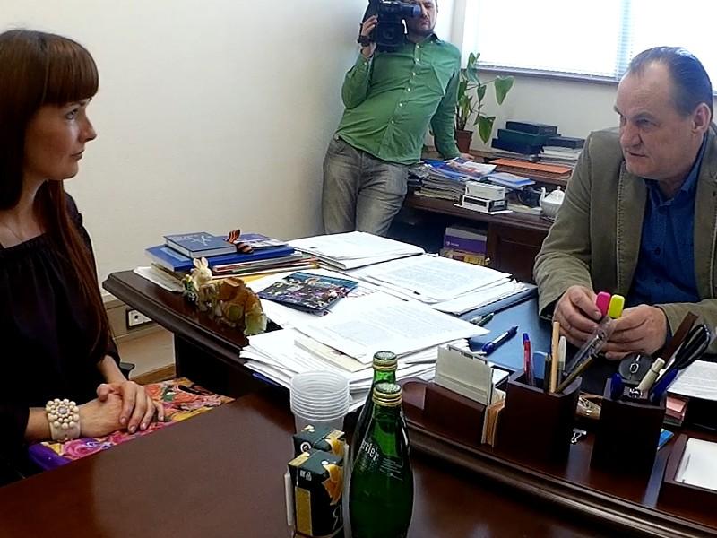 Депутат Госдумы назвал главную проблему россиян на встрече с художницей-инвалидом из Крыма