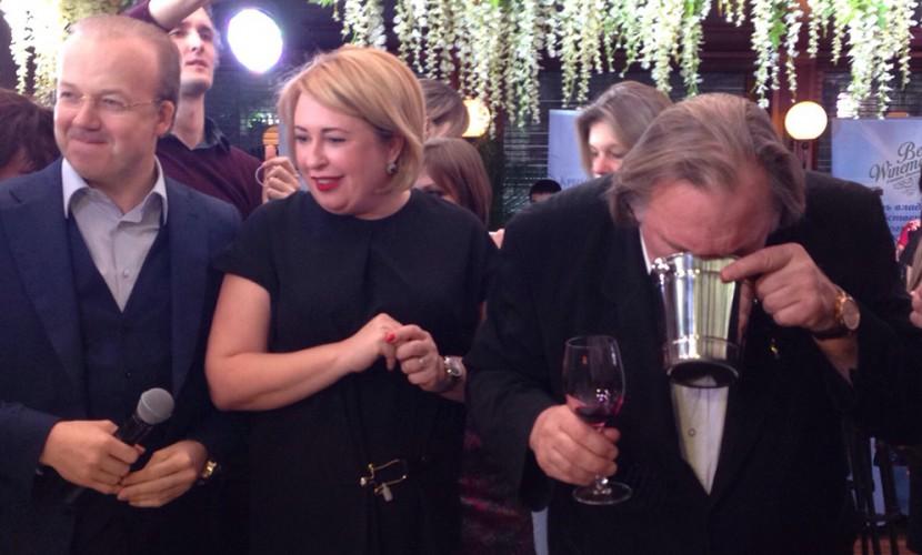 Жерар Депардье в Москве рассказал о Ющенко и оценил крымское вино