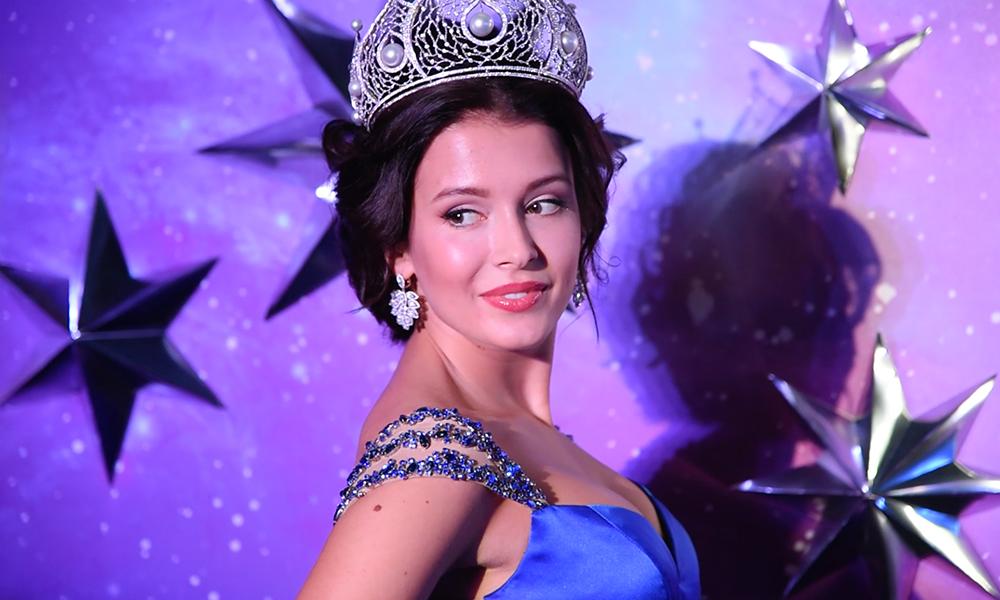 Стрессом оказалась передача короны Яне Добровольской для победительницы «Мисс Россия-2015»
