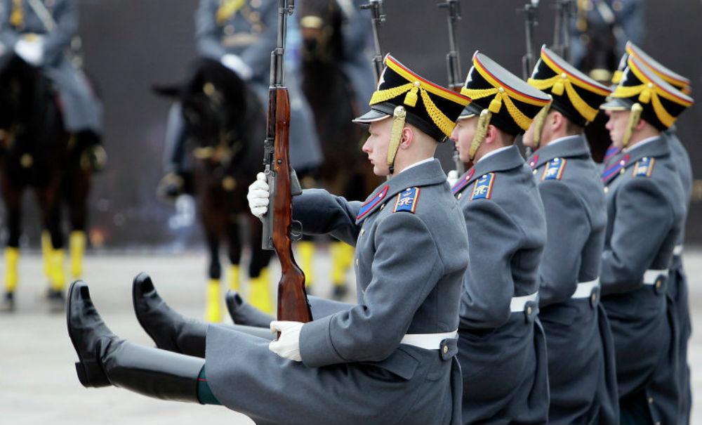 В Москве открылся сезон церемониальных разводов караулов Президентского полка