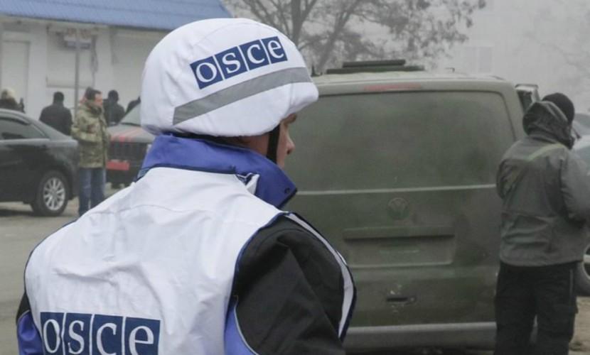 Порошенко попросил ввести в Донбасс вооруженную миссию ОБСЕ