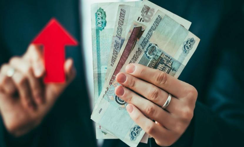 Рубль укрепился благодаря росту цен на сырье из-за забастовки нефтяников Кувейта