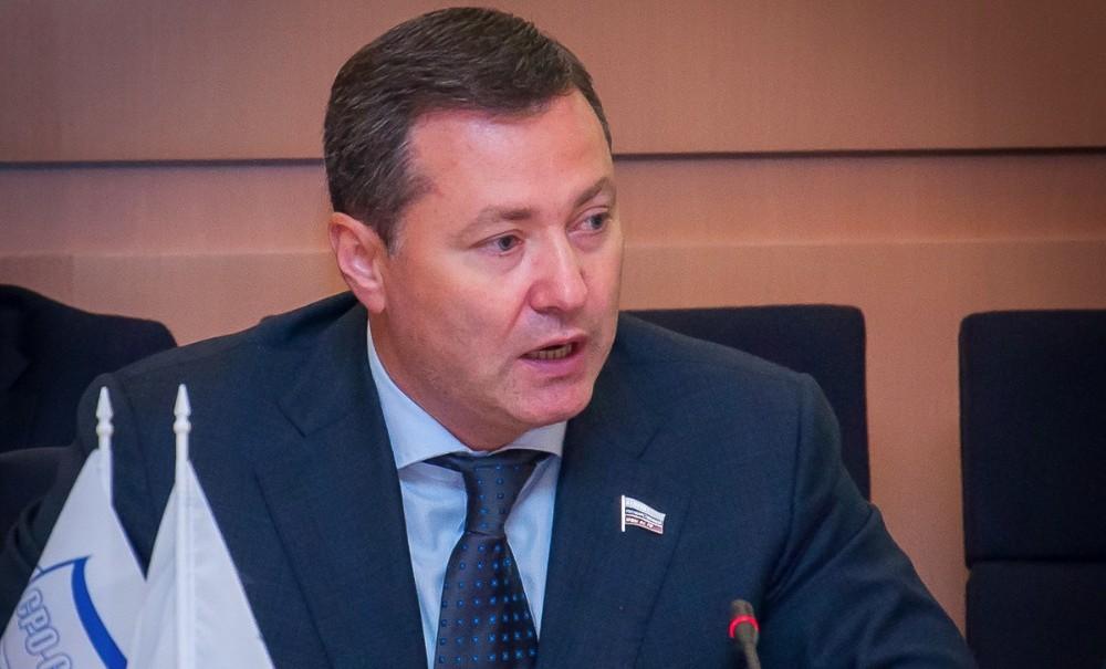 Мэрия Москвы делает вид, что не слышит поручений Путина, - депутат Агеев