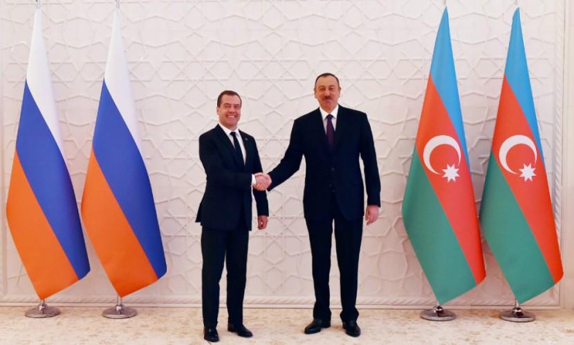Медведев в Азербайджане высказал надежду, что его усилия по борьбе за мир не пойдут прахом