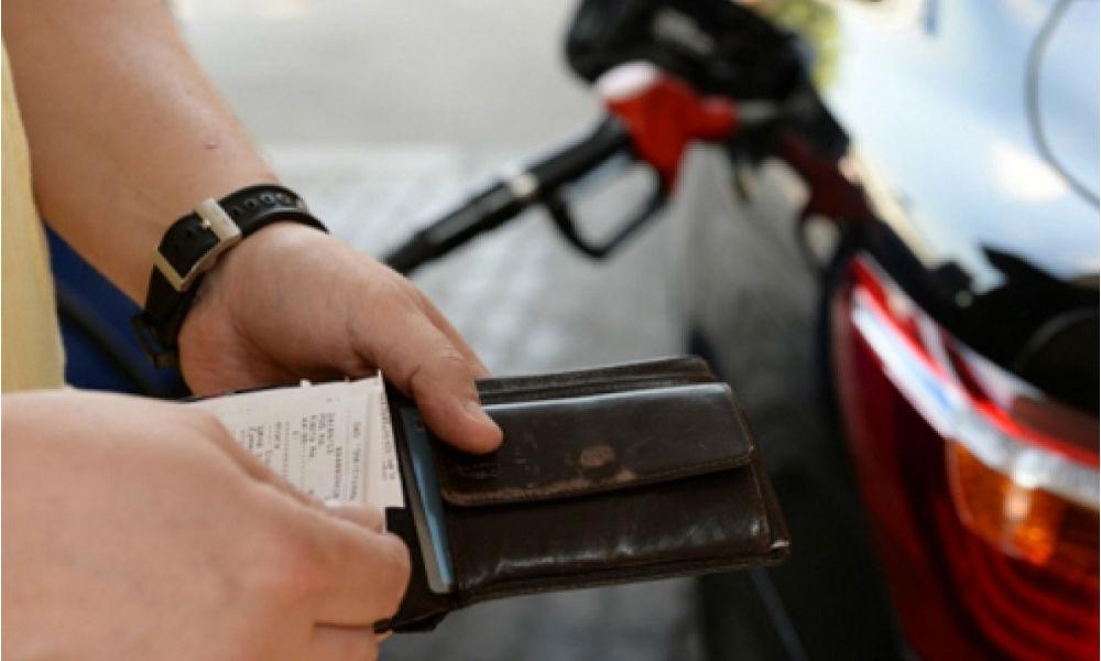 Цены на бензин выросли, несмотря на обещания Минэнерго и ФАС держать ситуацию под контролем