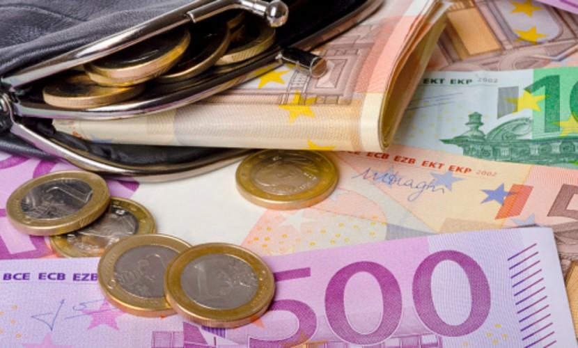 Растущие цены на нефть обрушили стоимость евро