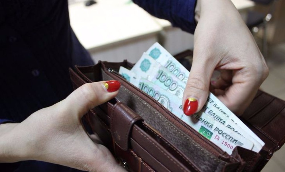 Шеин внес законопроект об обязательной индексации зарплат в частных компаниях