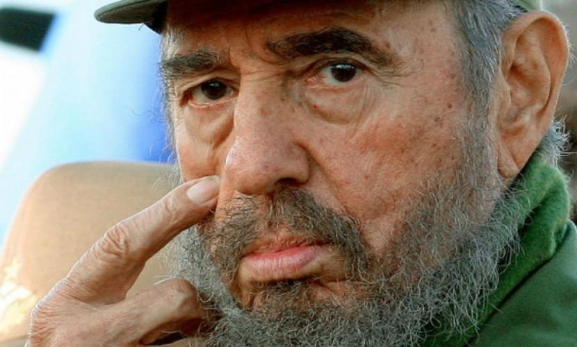 Фидель Кастро спустя восемь месяцев впервые вышел на публику