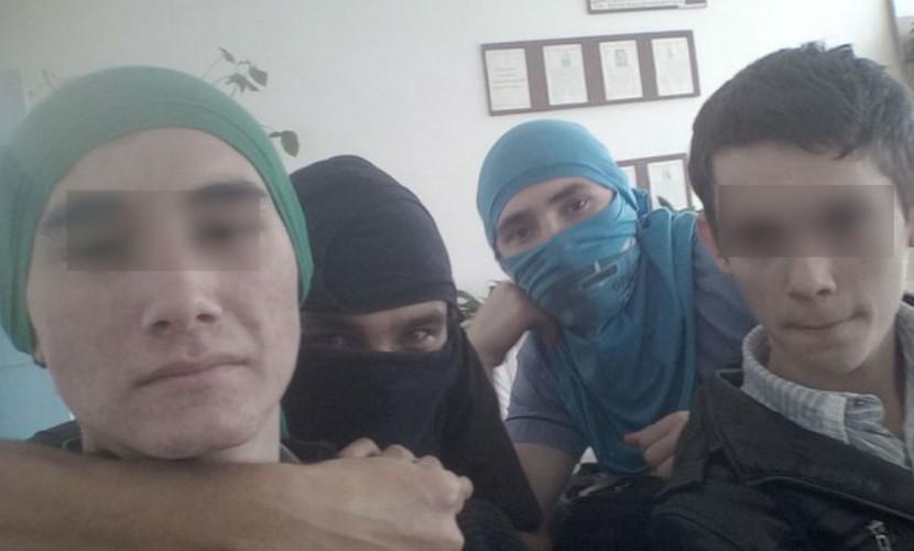 Жители Ставрополья разместили в соцсетях фотопародии на террористов