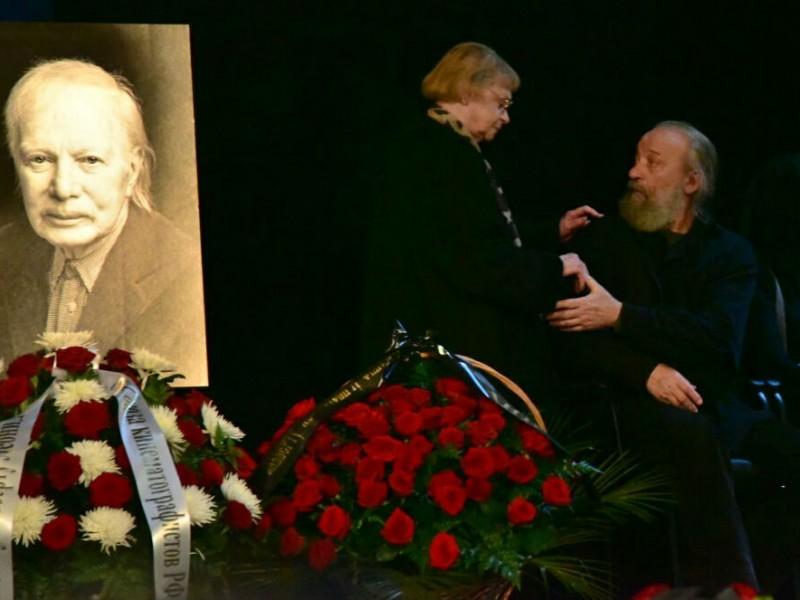 В Москве на прощании с Альбертом Филозовым рассказали о его