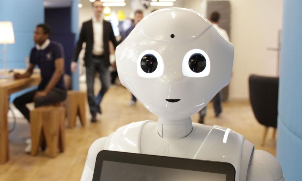 Первый робот-автоответчик начал обслуживать пассажиров аэропорта в Хабаровске