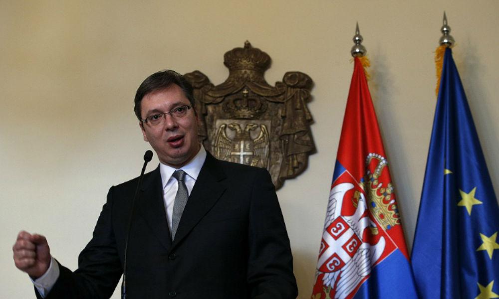 Бомба взорвалась у здания перед приездом премьера Сербии в Косово