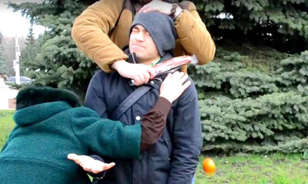 Массовую драку санкционными продуктами устроили жители Ставрополя на городской площади