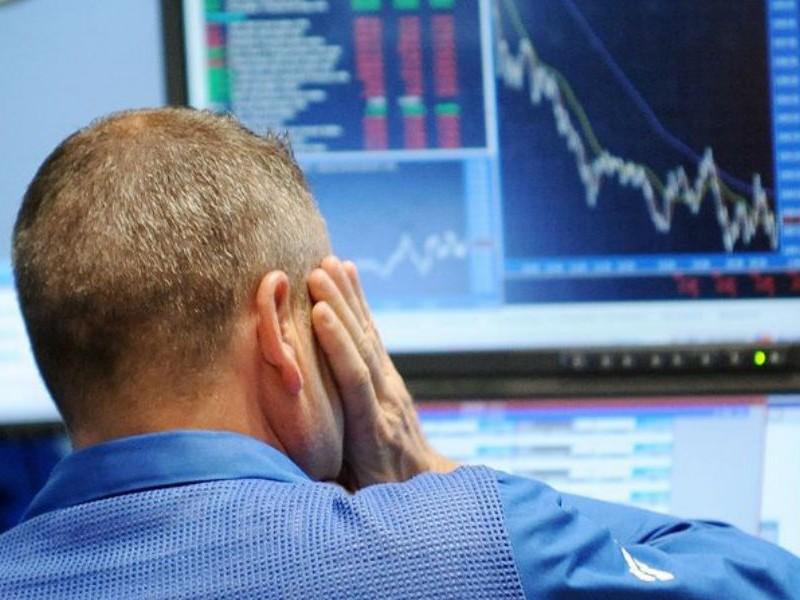 До 90 рублей за доллар и нефть за $26: экономике России предрекли незавидное будущее