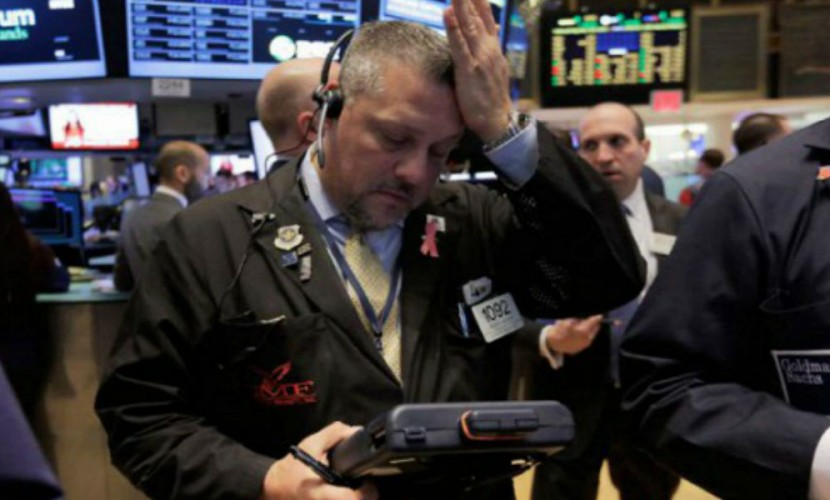 Нестабильные цены на нефть серьезно ударили по рублю