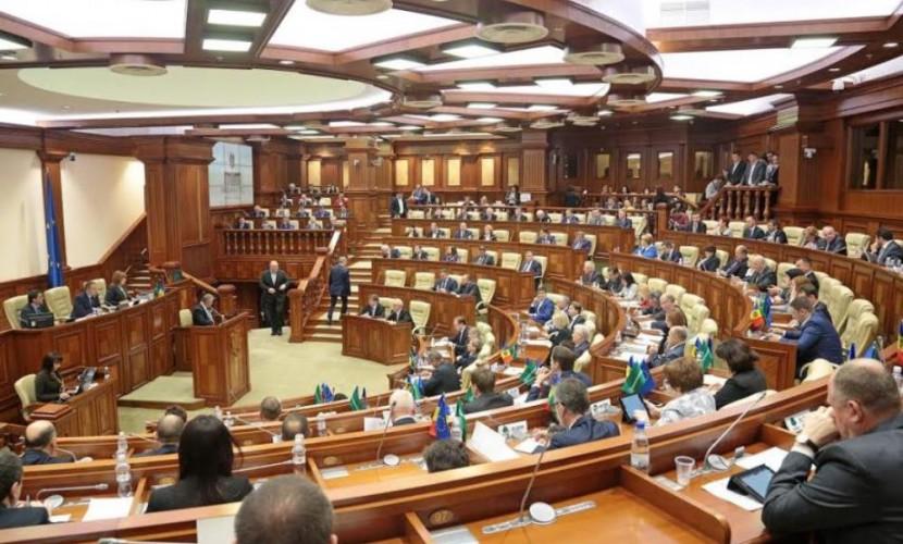 В парламенте Молдавии потребовали отмены скандального закона о секс-меньшинствах
