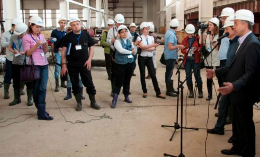 Президент Татарстана запретил журналистам носить джинсы