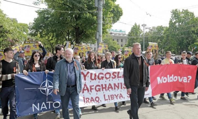 Яйца молдавской оппозиции испугали министра обороны и руководство НАТО