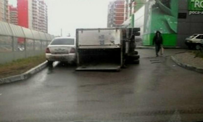 Дерзкий уход от погони ДПС на угнанном Mitsubishi в Красноярске попал на видео