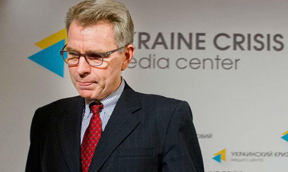 Экс-посла США на Украине направили в Грецию для организации