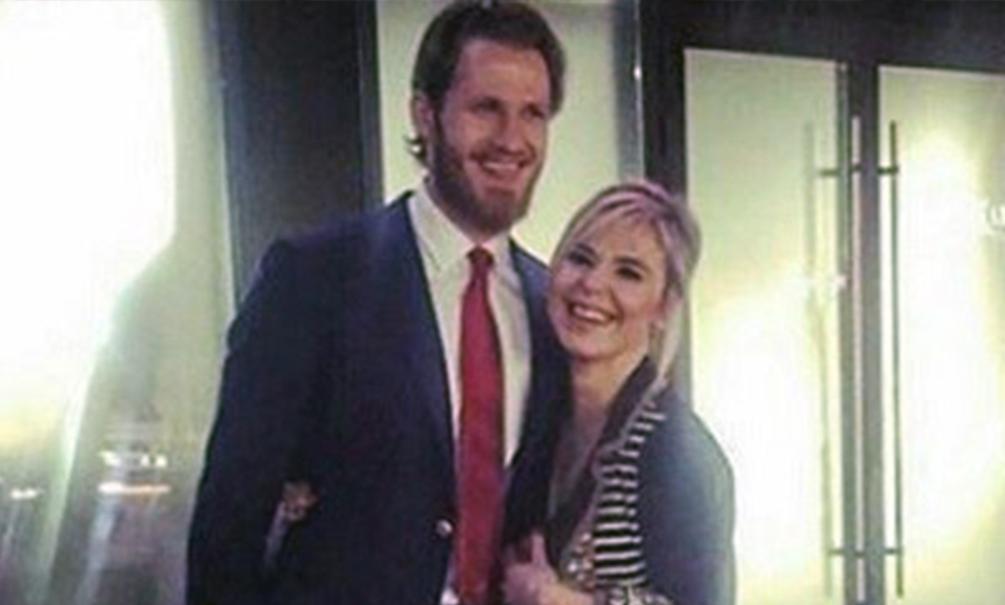 Пелагея выходит замуж за молодого хоккеиста, бросившего жену-стриптизершу и ребенка