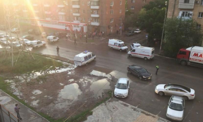 Ссора двух таксистов на улице Астрахани закончилась взрывом гранаты