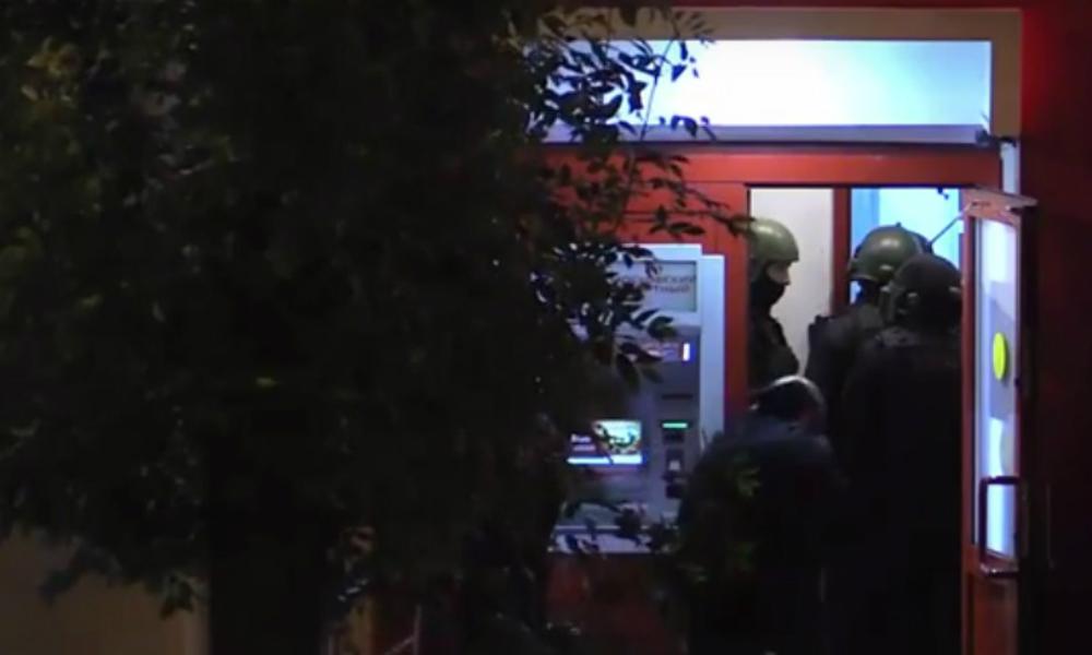 Угрожавший взорвать банк в Измайлово налетчик убит полицией