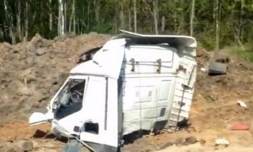 Место страшного ДТП с отлетевшей от фуры кабиной было снято на видео в Брянской области