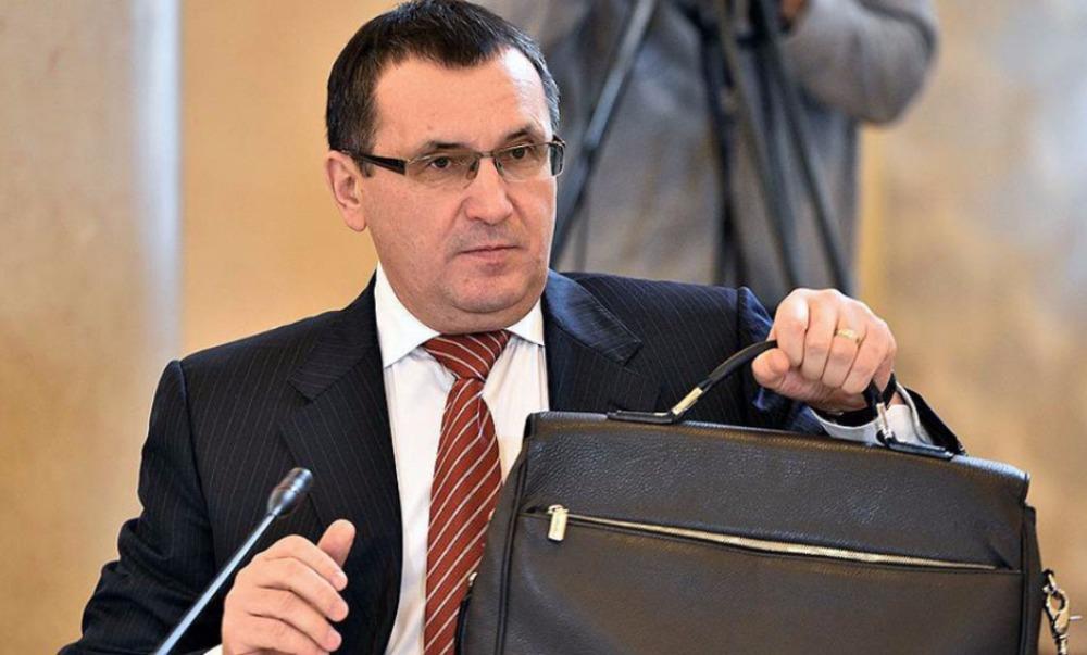 В Совете Федерации предложили оставить премьера Медведева без заместителей