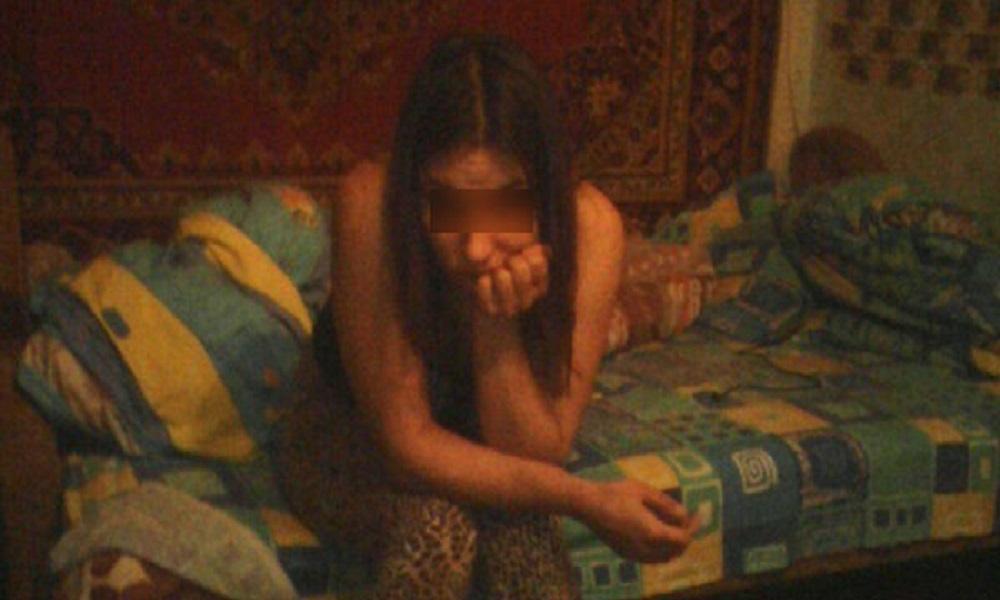 Житель Камышина с помощью таксистов заставил жену заниматься проституцией в сауне