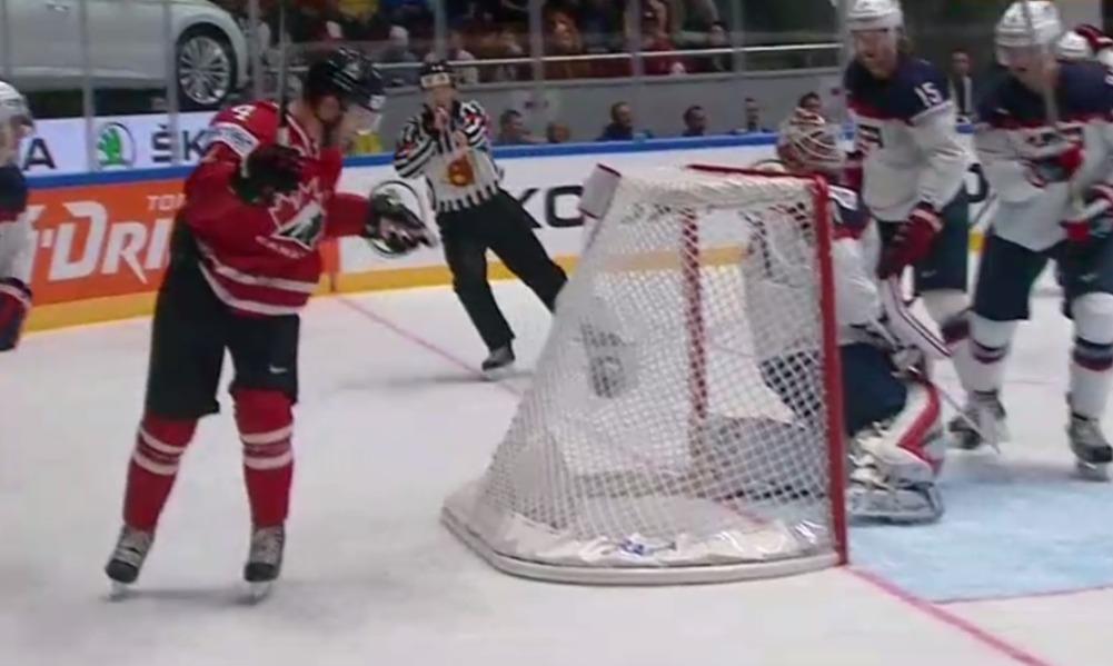 Канадцы в стартовом матче ЧМ-2016 по хоккею поиздевались над американцами