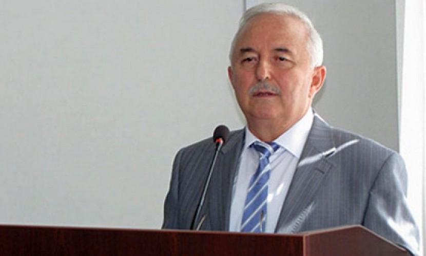 Председатель Верховного суда Чечни Магомед Каратаев подал вотставку