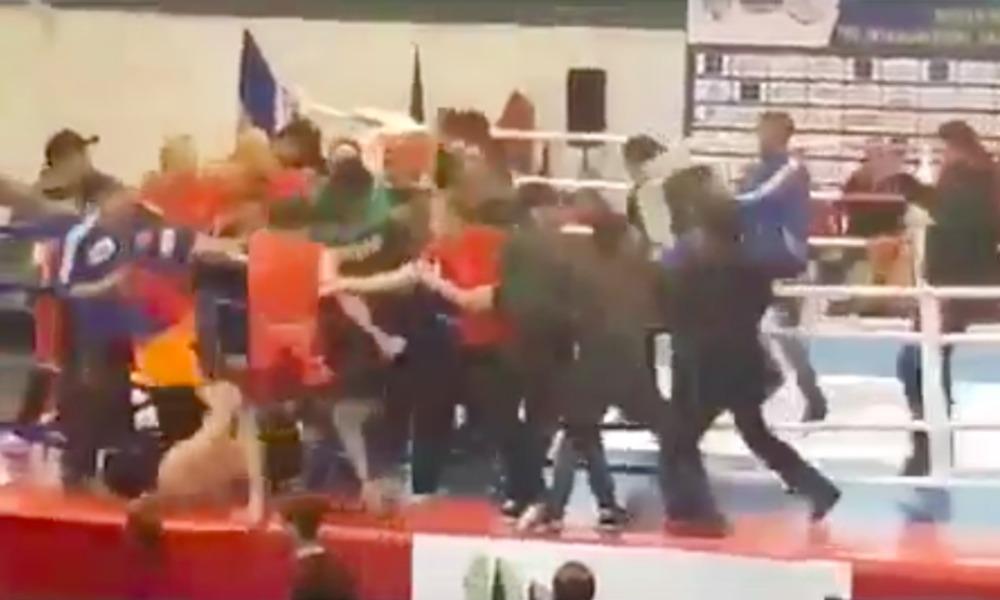 Во время массовой драки на ЧЕ по кунг-фу между армянами и азербайджанцами в ход шли даже стулья