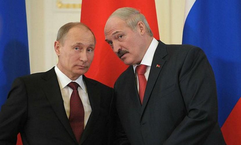 Путин получил от Лукашенко поздравления с Днем Победы