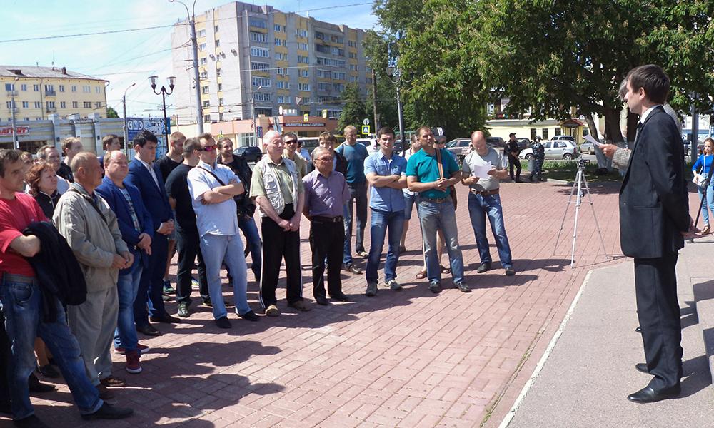 Ивановские автомобилисты возмутились очередями и навязыванием услуг при оформлении ОСАГО