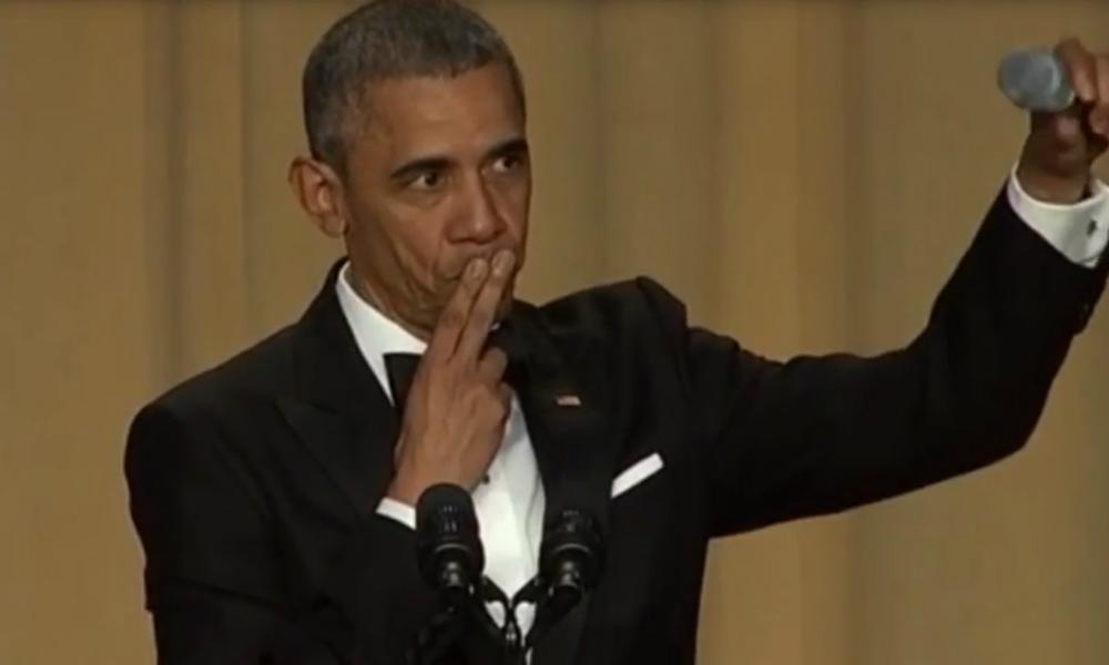 Обама высмеял Трампа и выбросил микрофон на приеме в Белом доме
