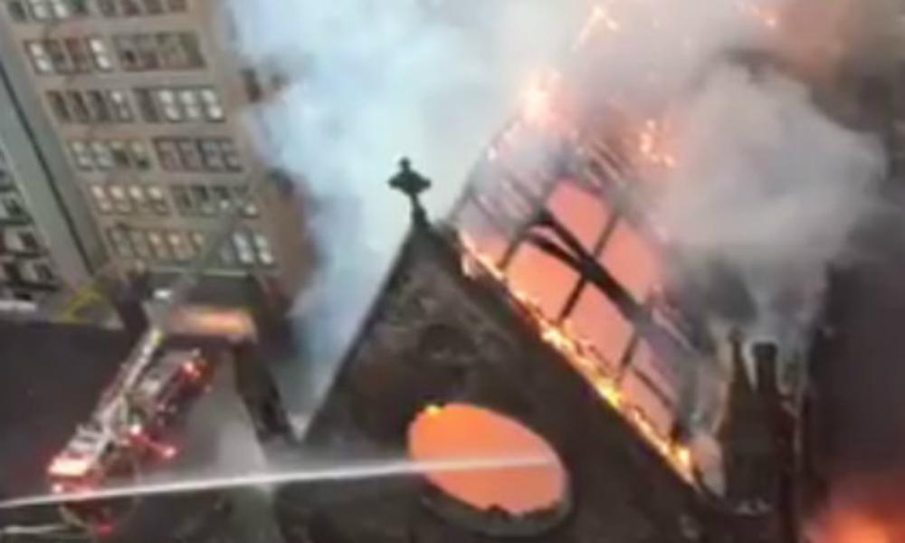 Православный собор сгорел при праздновании Пасхи в Нью-Йорке