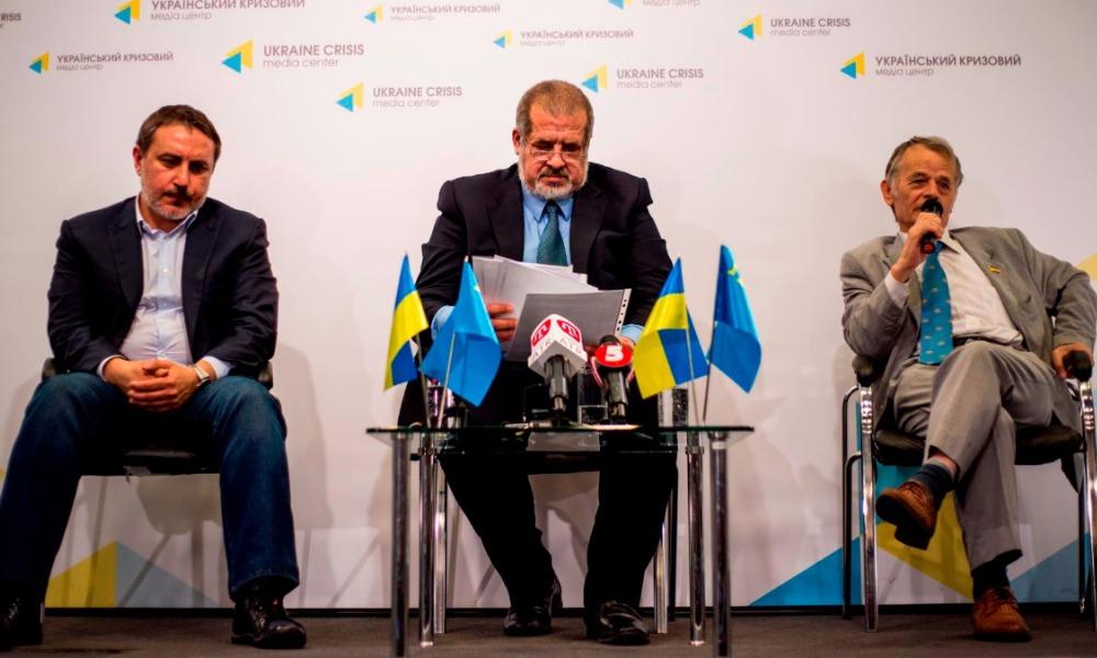 Ленур Ислямов, Рефат Чубаров и Мустафа Джемилев (слева - направо).