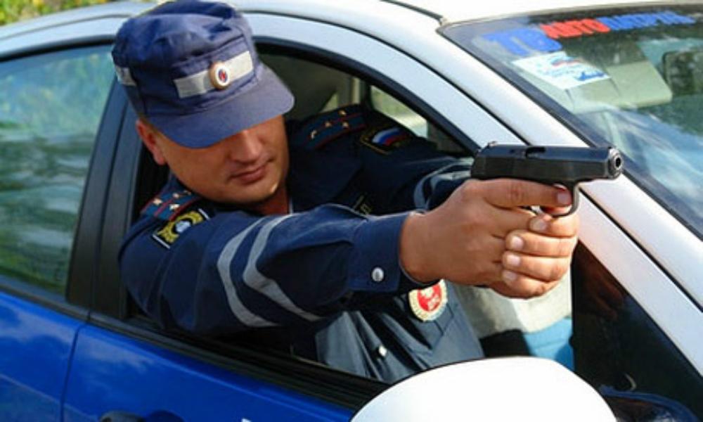 Полиция обстреляла Range Rover 28-летнего московского бизнесмена
