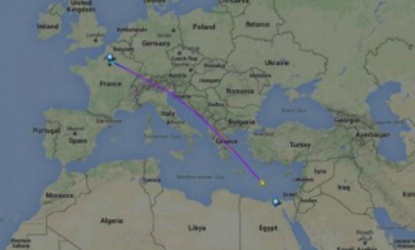 Египетский A320 с тремя детьми и 63 взрослыми на борту рухнул в море