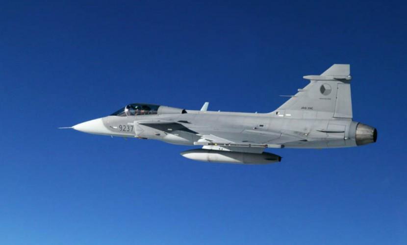 Венгерские истребители были готовы сбить пассажирский Boeing из-за действий британских пилотов