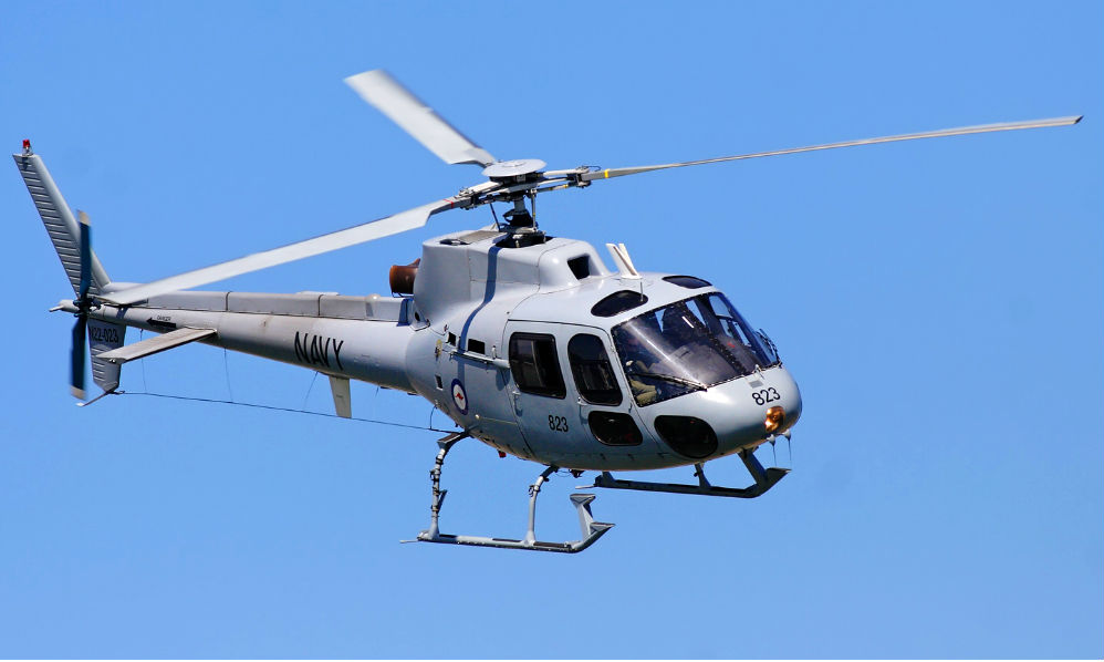 Вертолет взорвался и рухнул в озеро в Ленобласти: оба человека на борту погибли