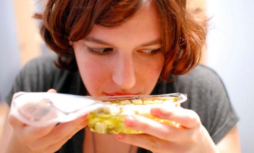 Запах еды вызывает преждевременное старение и смерть, - ученые