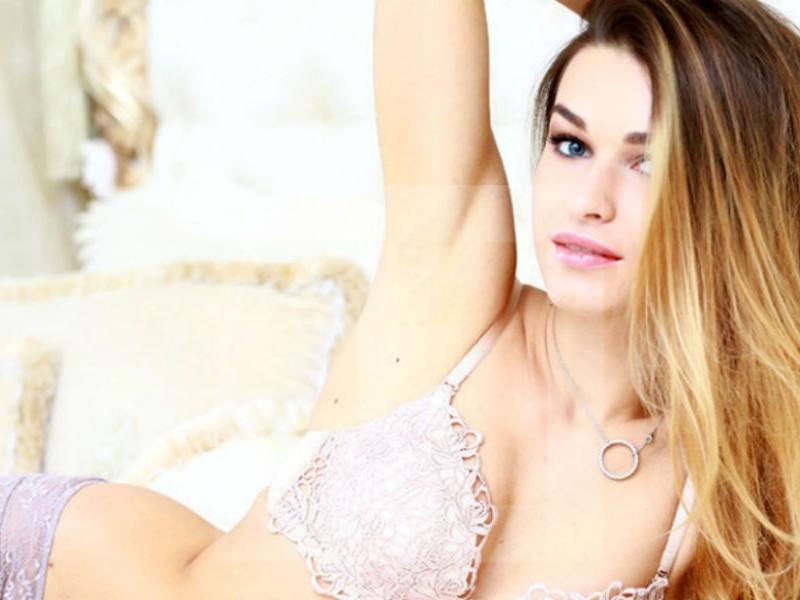 Эротические фото украинской модели Анны Дурицкой нашли в доме убитого Бориса Немцова