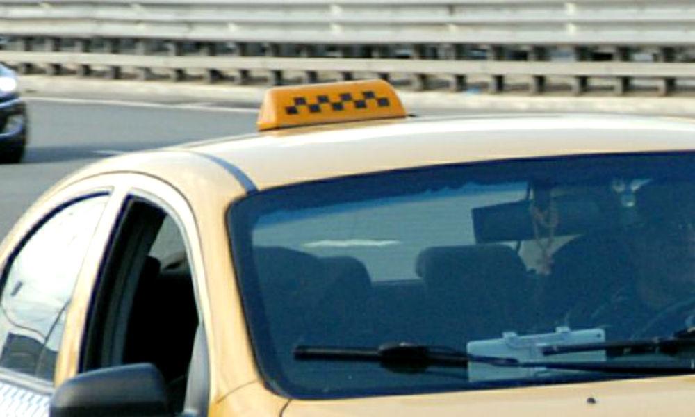 Москвичку похитили из такси на глазах у прохожих и изнасиловали