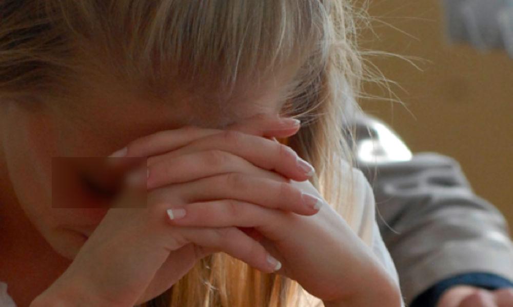 Отец-одиночка 17 раз изнасиловал свою дочь в поселке под Хабаровском