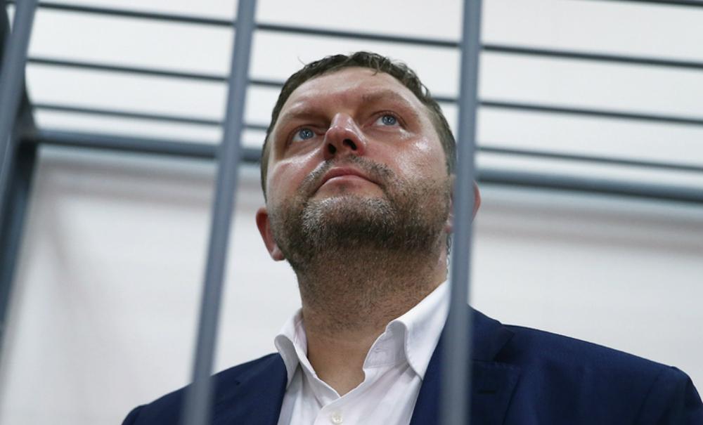 Арестованный на два месяца губернатор Белых заявил о благих целях полученной взятки