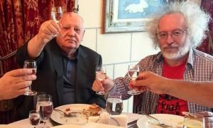 Горбачев выпил водки с Венедиктовым и