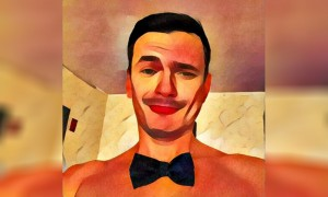 «Богатырь» Илья Яшин выложил в соцсети обнаженное селфи в галстуке-бабочке